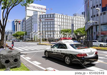 名古屋三越前 栄交差点を警らするパトロールカー 65492649