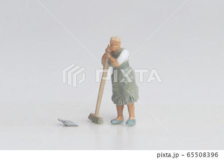 【ミニチュアギャラリー】掃除・ほうき 65508396