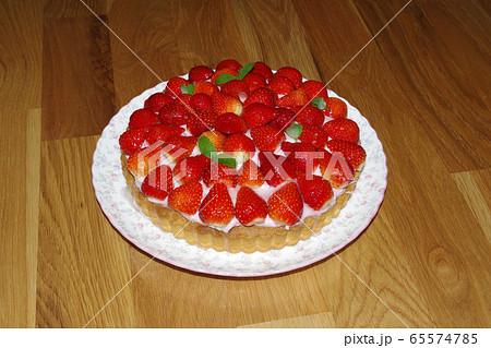 イチゴのタルト 65574785