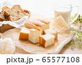 牛乳パン 65577108