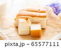 牛乳パン 65577111