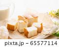 牛乳パン 65577114