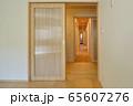 新築住宅 木造注文住宅の室内 65607276