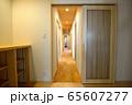 新築住宅 木造注文住宅の室内 65607277