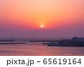 三浦半島から望むダイヤモンド富士(神奈川県 城ヶ島大橋より) 65619164