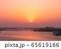 三浦半島から望むダイヤモンド富士(神奈川県 城ヶ島大橋より) 65619166