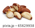 Brazil nuts isolated on white 65629938