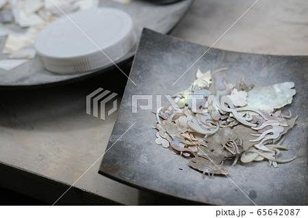 貝殻を使った螺鈿細工の工房(ホーチミン・ベトナム) 65642087