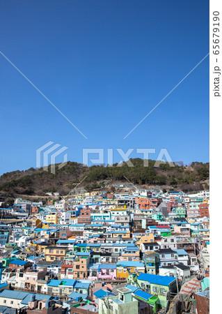 釜山の甘川(カムチョン)文化村 韓国(縦) 65679190