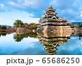 長野県松本市 紅葉時期の松本城 65686250