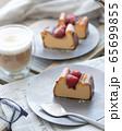 NYチーズケーキと苺のコンフィチュール 65699855