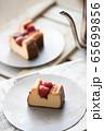 NYチーズケーキと苺のコンフィチュール 65699856