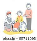 男性介護スタッフと車椅子のシニア女性と夫 65711093