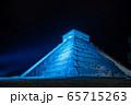 メキシコ チチェン・イッツァの遺跡 ライトアップ 夜 65715263