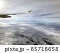 飛行機からの雲上空3 65716658