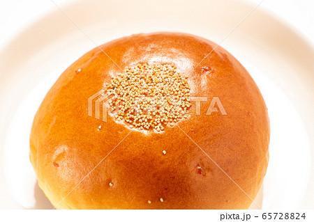 あんパン。(白皿・白バック) 65728824