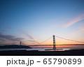 明石海峡大橋の夕景 65790899