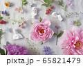 石膏像と花 65821479