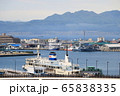 函館湾の景色と摩周丸<春・朝もや> 65838335