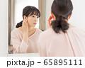 ミドル 女性 美容 ビューティーイメージ 65895111
