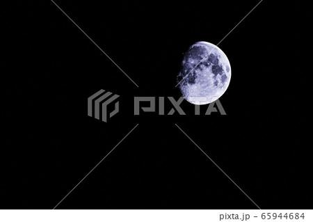 夜空に浮かぶ、神秘的な月-3(2020年5月4日 23時54分) 65944684