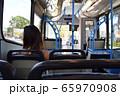 パームコーブ行きのバスに揺られて 65970908