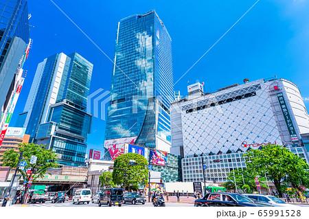 東京 渋谷 スクランブル交差点 65991528