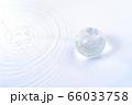 水の豊かな地球  66033758
