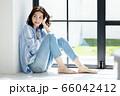 ライフスタイル 若い女性 66042412