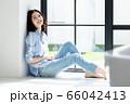 ライフスタイル 若い女性 66042413