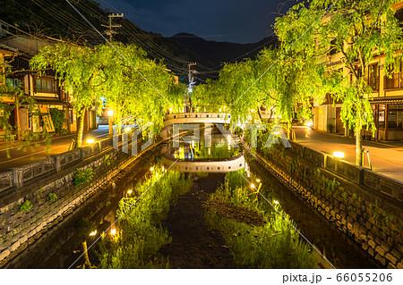 《兵庫県》新緑の城崎温泉・温泉街 66055206