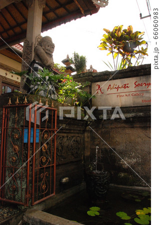 街角の風景(ウブド/バリ島・インドネシア) 66060983