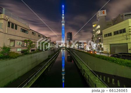 東京スカイツリー 医療関係者等応援のブルーライトアップ 66126065