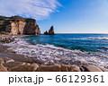 (千葉県)御宿大波月海岸のロウソク岩 66129361