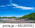 《広島県》尾道中心街の街並み・初夏の青空《向東町より》 66160561