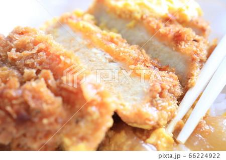 おいしいカツ丼弁当 コンビニ弁当 66224922