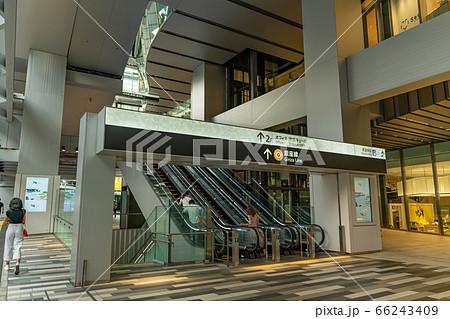 東京の都市風景 渋谷スクランブルスクエア 地下鉄銀座線入り口 66243409