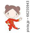 太極拳・ポーズをとる女性 66250943