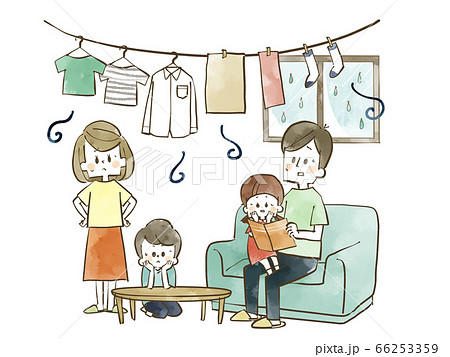部屋干しが気になる家族-水彩 66253359