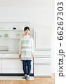 主婦ポートレート[キッチン] 66267303