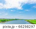 6月の快晴の青空 66298297