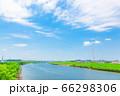6月の快晴の青空 66298306