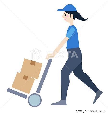 荷台で荷物を運ぶ女性 66313707