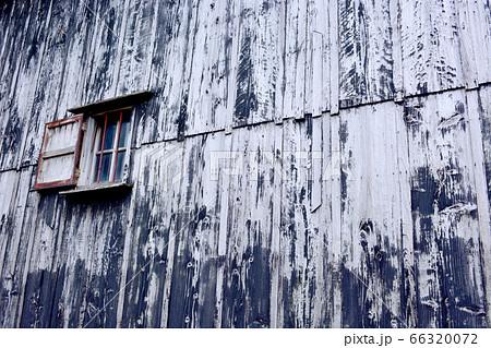 板壁と窓 66320072