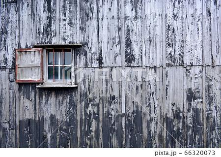 板壁と窓 66320073