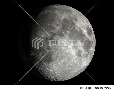 少し欠けたリアルな月:NASA提供の素材から作成、3DCG 66407995