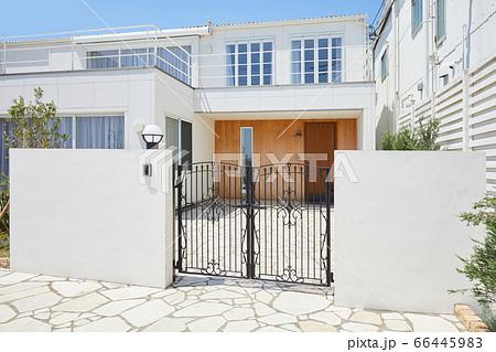 建物 玄関 2世帯住宅 一軒家 66445983