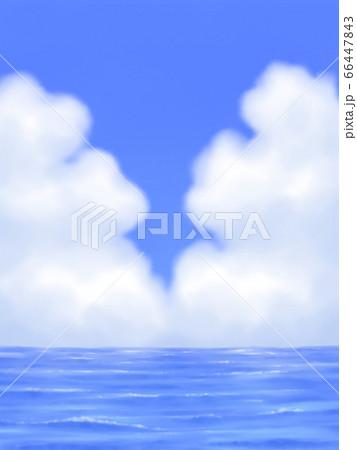モクモク雲のある青空と海・縦長 66447843