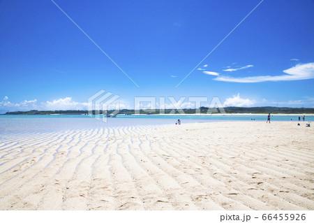 与論島の幻の砂浜「百合ヶ浜」から見た大金久海岸 66455926