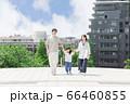 手を繋いで屋外を散歩する親子(新しい生活様式イメージ) 66460855